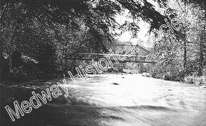 tn_FairmountFarmFootBridge1910a.jpg - 18800 Bytes